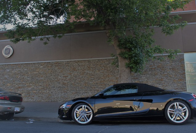 Audi R8 V8 Spyder 2013