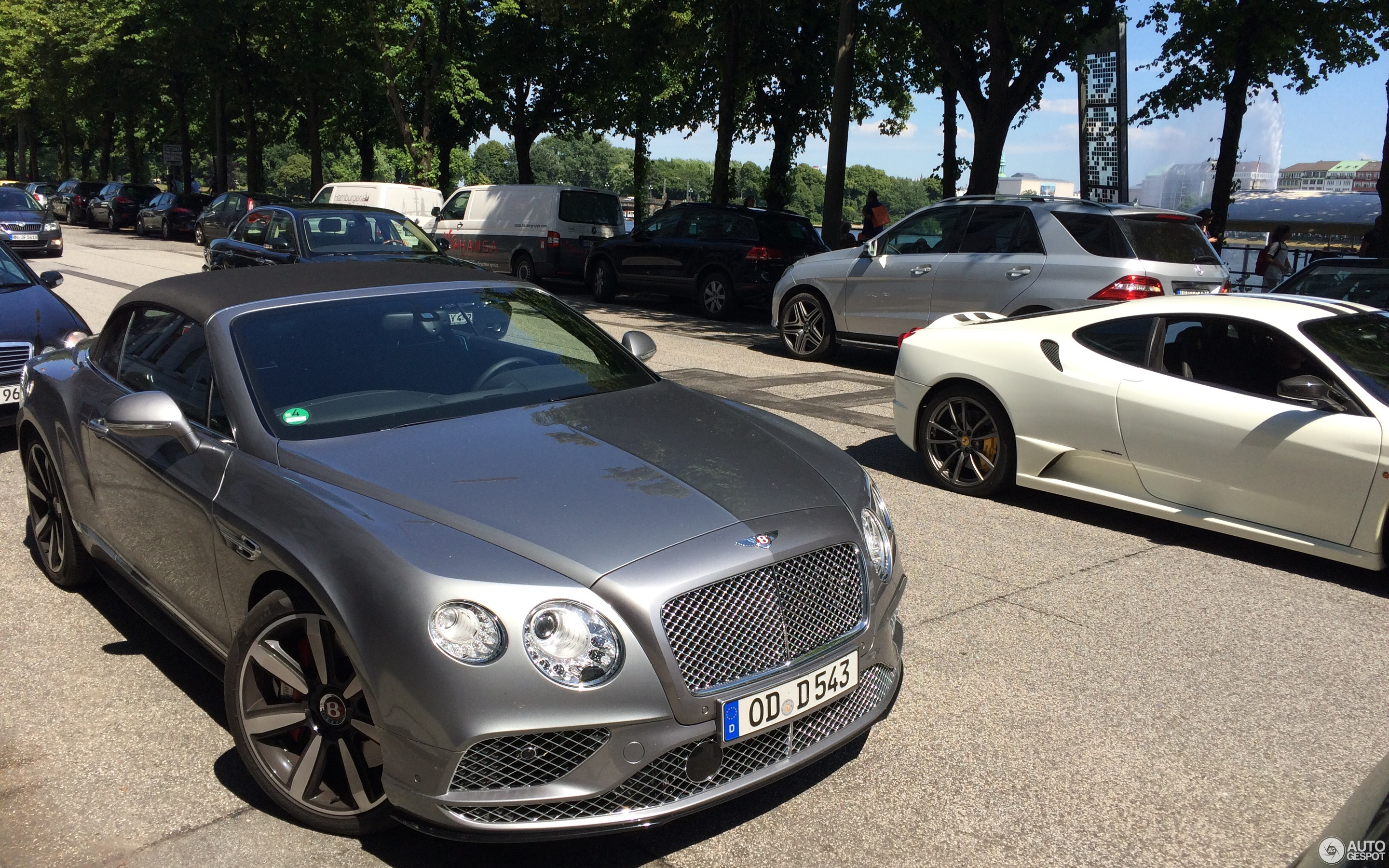 Bentley Continental GTC V8 S 2016 23 June 2016 Autogespot