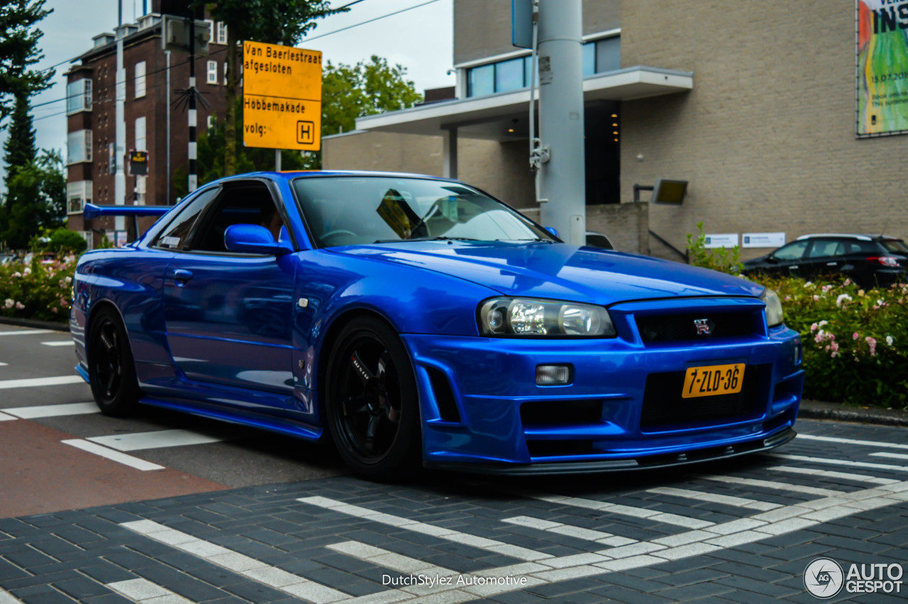Nissan Skyline R34 GT-R V-Spec II - 9 July 2016 - Autogespot