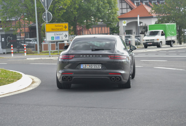 Porsche 971 Panamera S