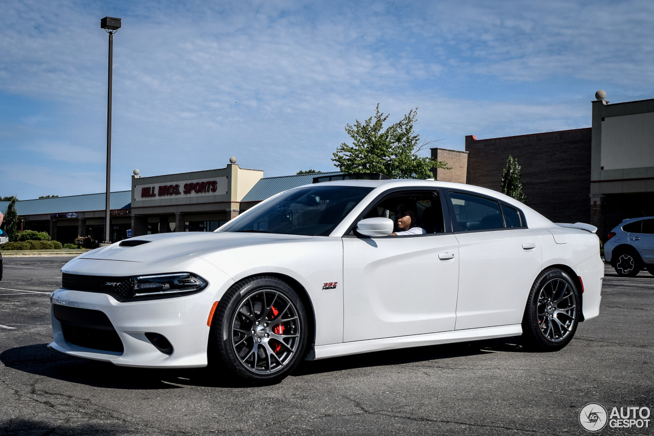 dodge charger srt 392 2015 30 july 2016 autogespot. Black Bedroom Furniture Sets. Home Design Ideas