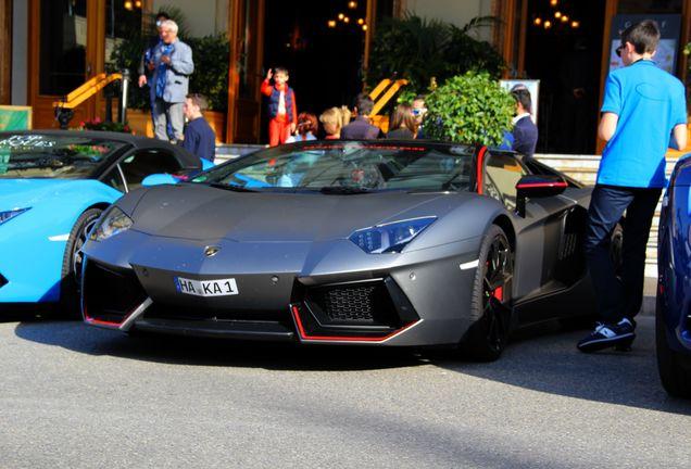 Lamborghini Aventador LP700-4 Roadster Pirelli Edition