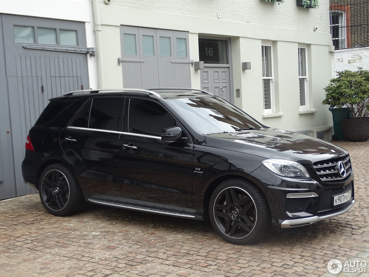 mercedes benz ml 63 amg w166 9 august 2016 autogespot. Black Bedroom Furniture Sets. Home Design Ideas