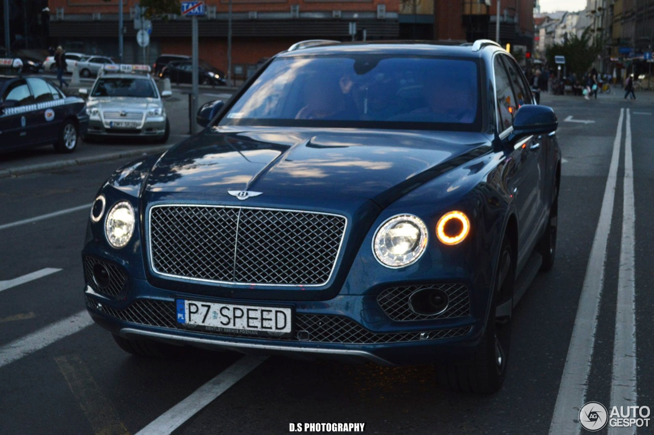 bentley bentayga first edition 11 august 2016 autogespot. Black Bedroom Furniture Sets. Home Design Ideas