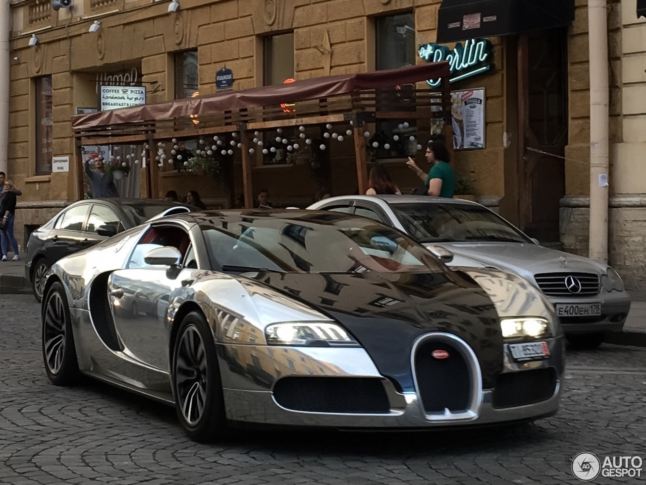 bugatti veyron 16 4 grand sport 15 august 2016 autogespot. Black Bedroom Furniture Sets. Home Design Ideas