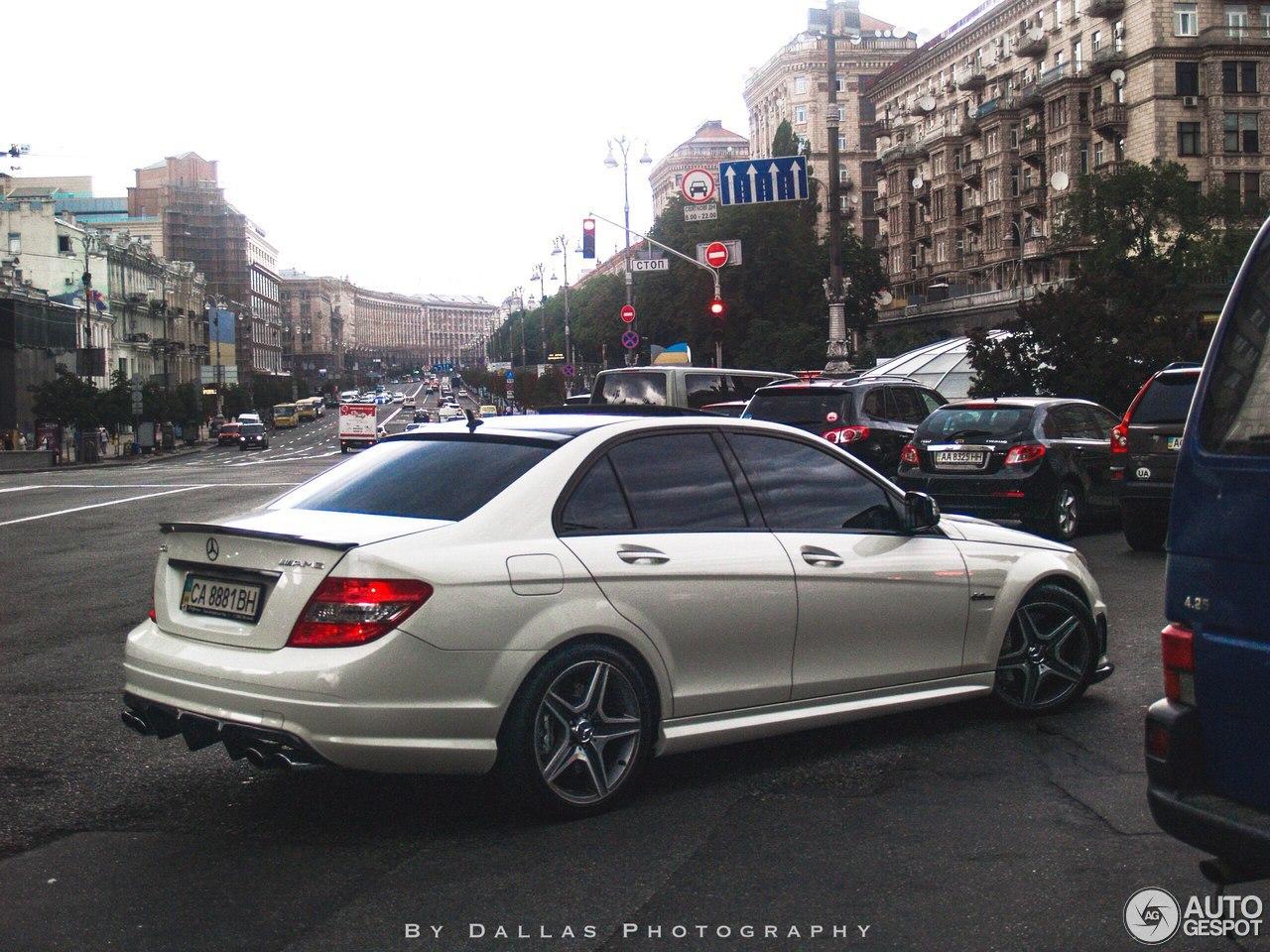 Mercedes benz c 63 amg w204 22 septembre 2016 autogespot for Mercedes benz w204
