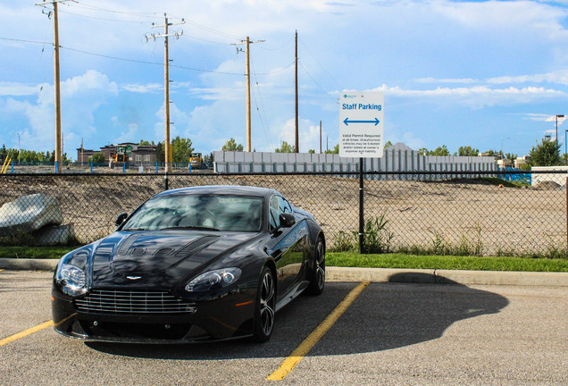 Aston Martin V12 Vantage