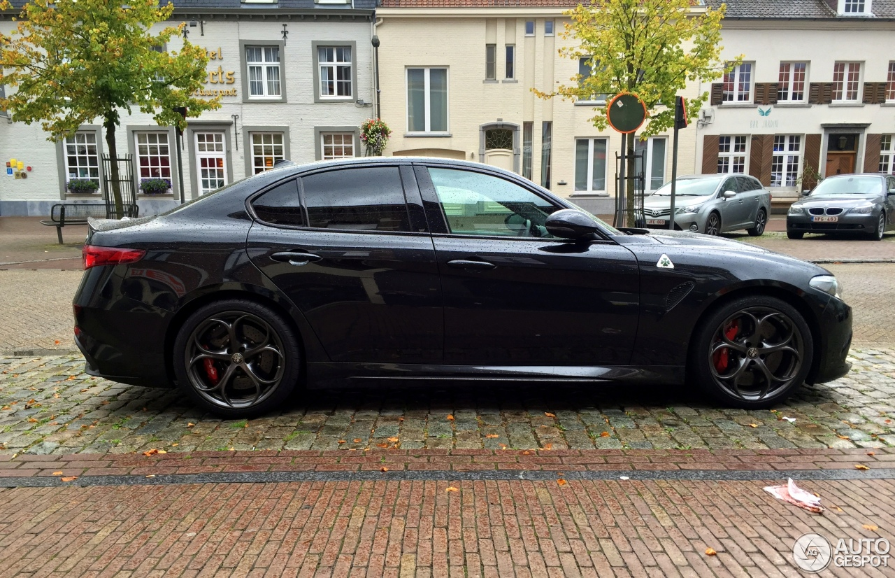 alfa romeo giulia quadrifoglio 2 oktober 2016 autogespot. Black Bedroom Furniture Sets. Home Design Ideas