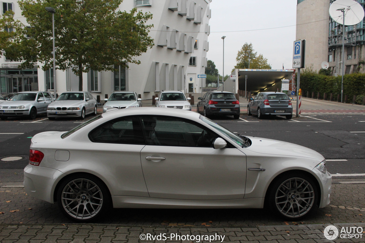 bmw 1 series m coup 21 october 2016 autogespot. Black Bedroom Furniture Sets. Home Design Ideas