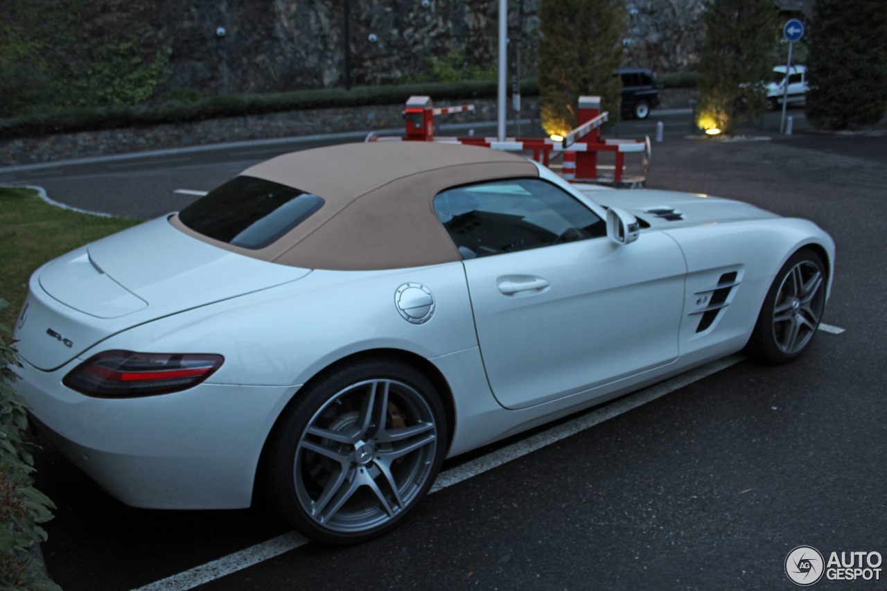 Mercedes benz sls amg roadster 21 oktober 2016 autogespot for Silverlit mercedes benz sls amg