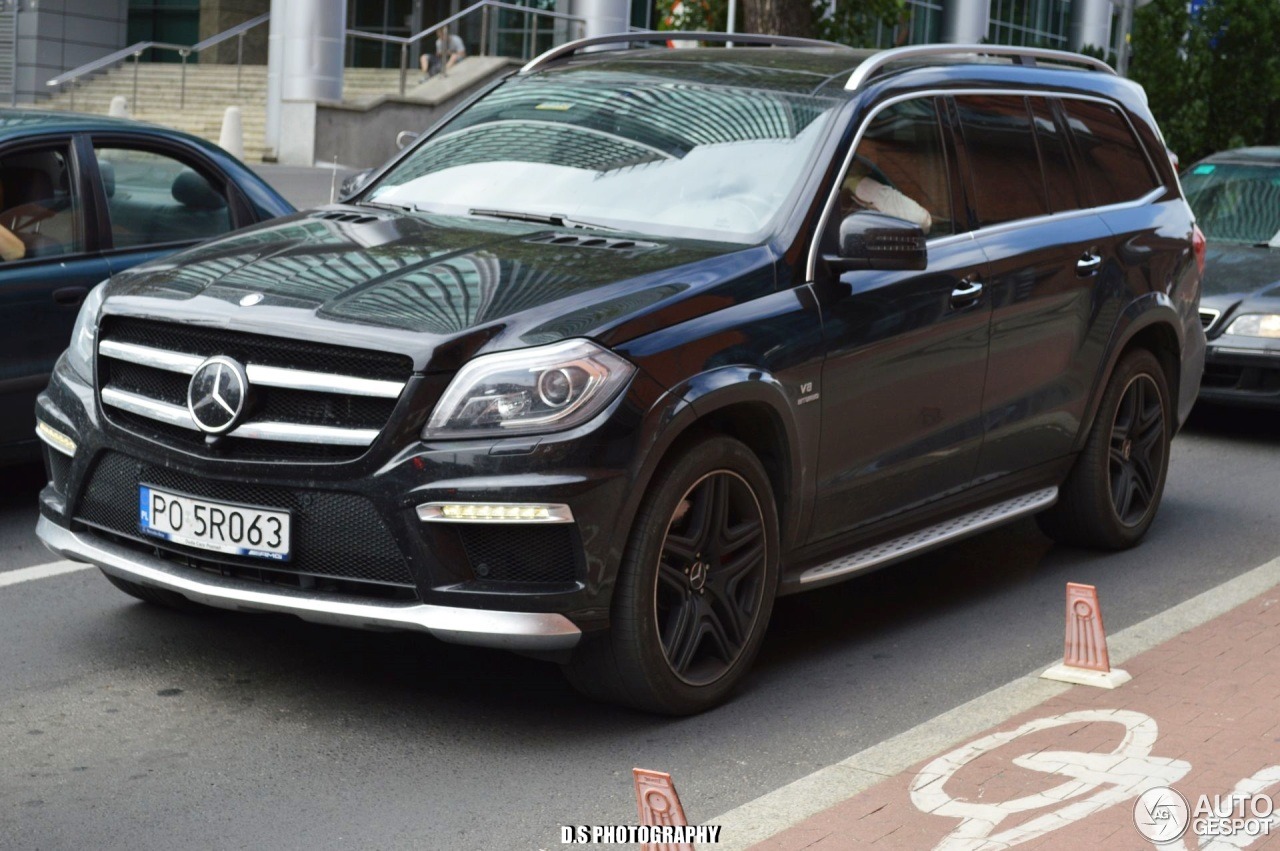 Mercedes benz gl 63 amg x166 23 pa dziernik 2016 for Mercedes benz gls 63 amg