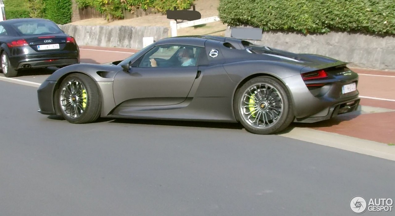 porsche 918 spyder 25 october 2016 autogespot. Black Bedroom Furniture Sets. Home Design Ideas