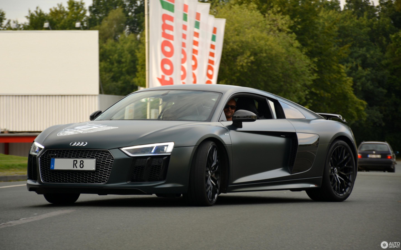 Audi R V Plus October Autogespot - Audi r8 v10 plus