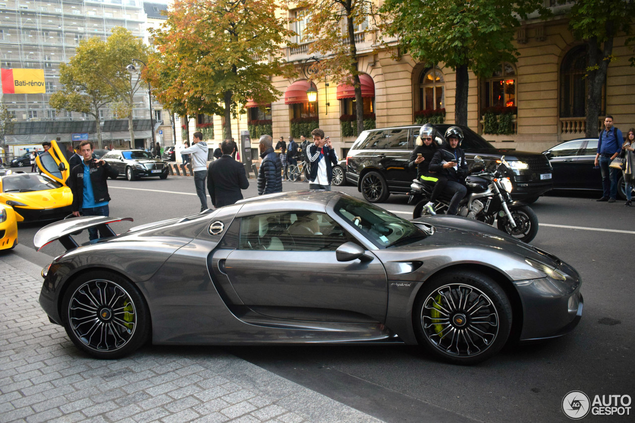 porsche 918 spyder 30 october 2016 autogespot. Black Bedroom Furniture Sets. Home Design Ideas