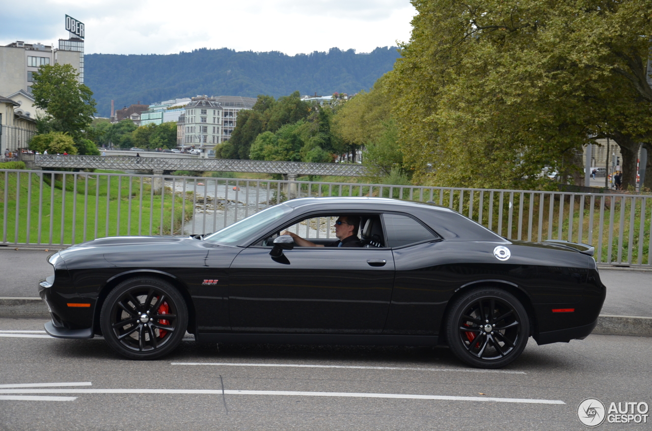 Dodge Challenger Srt 8 392 2015 6 November 2016 Autogespot