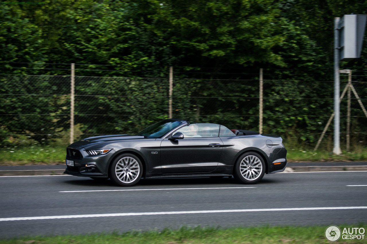 Ford Mustang GT Convertible 2015 - 20 November 2016 ...  Ford Mustang GT...
