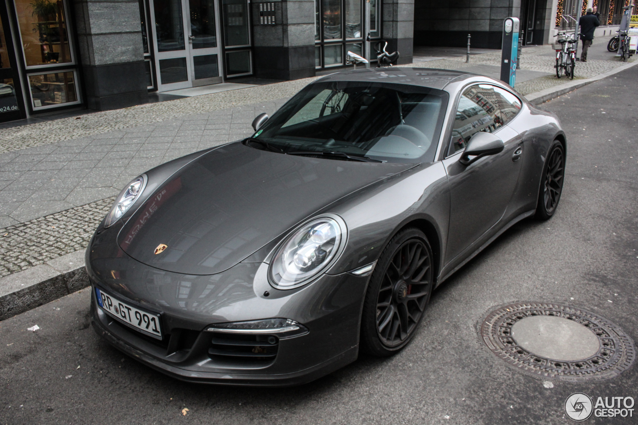 porsche 991 carrera 4 gts 19 december 2016 autogespot. Black Bedroom Furniture Sets. Home Design Ideas