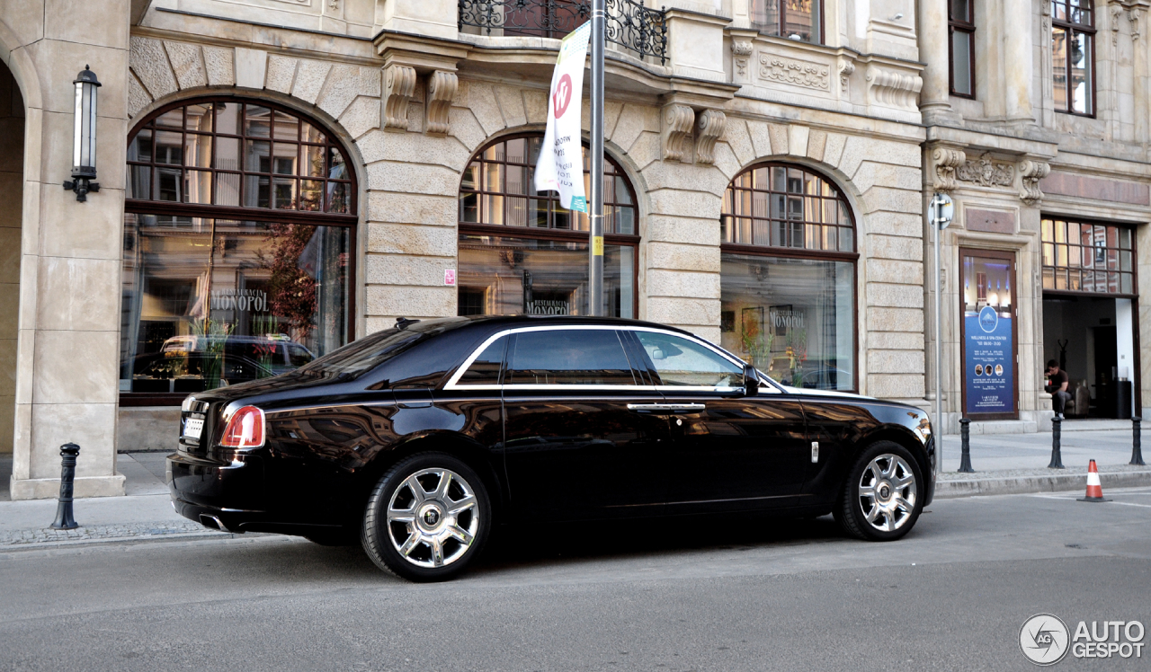rolls royce ghost ewb 24 dezember 2016 autogespot. Black Bedroom Furniture Sets. Home Design Ideas